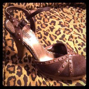 BONGO bronze studded stacked heels